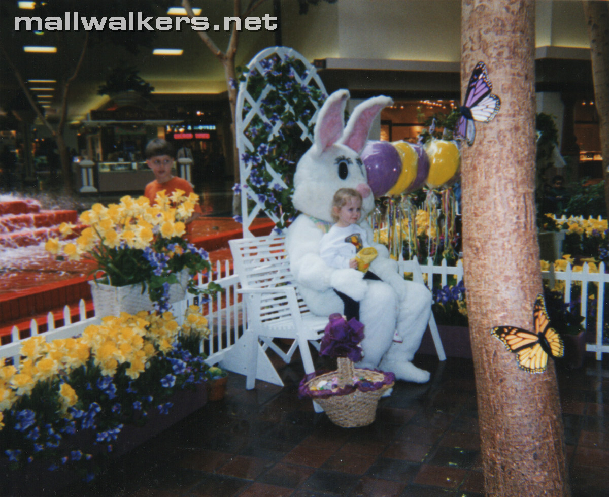 Easter Photo Rolling Acres Mall Akron Ohio