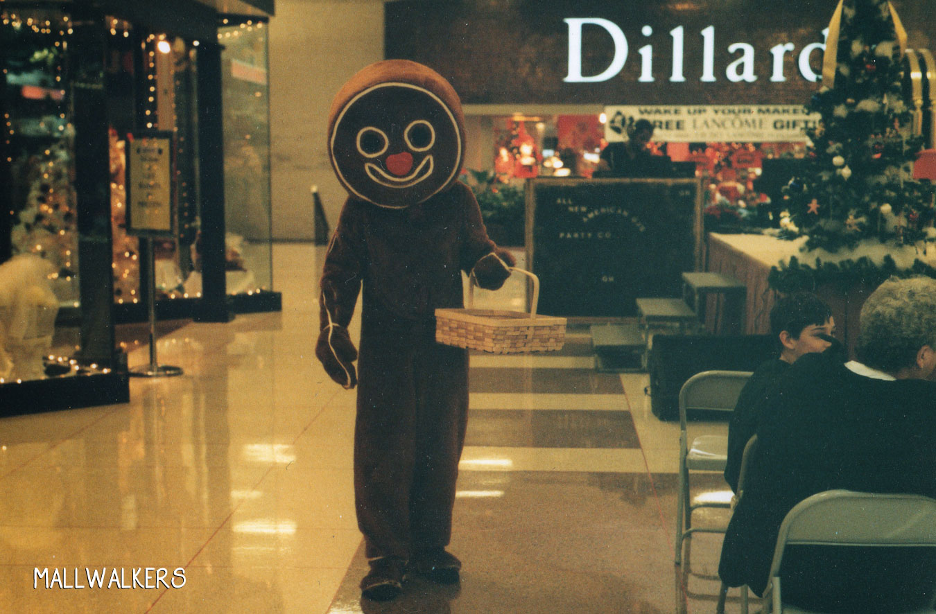 Rolling Acres Mall 1998 Gingerbread Man Dillards