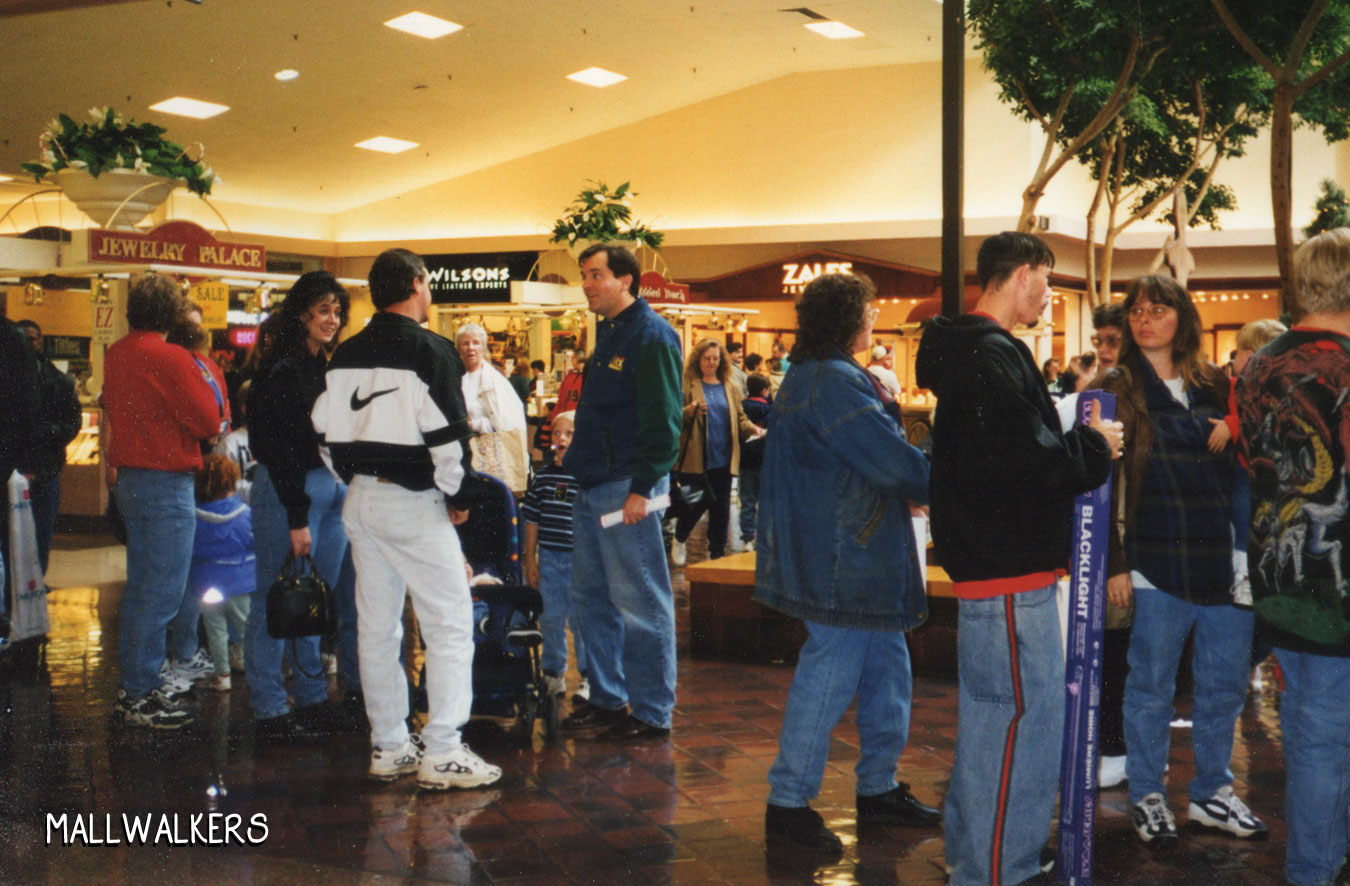 Rolling Acres Mall Christmas