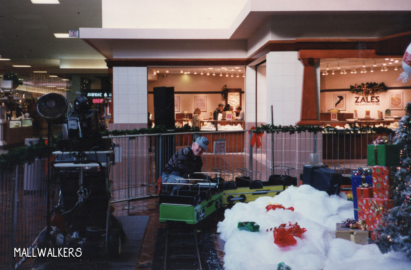 Rolling Acres Mall Christmas Train