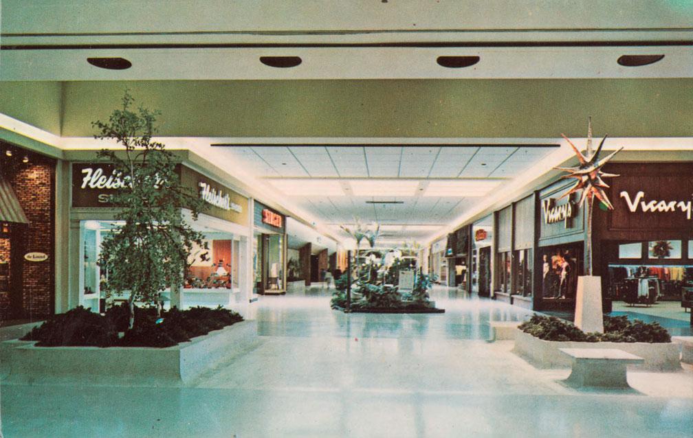 Higbee's Court Belden Village Mall